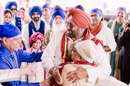 Sikh-Indian-wedding_Kelowna-Temple_Sparkling-Hill_109_by-Kevin-Trowbridge