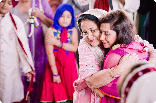 Sikh-Indian-wedding_Kelowna-Temple_Sparkling-Hill_114_by-Kevin-Trowbridge