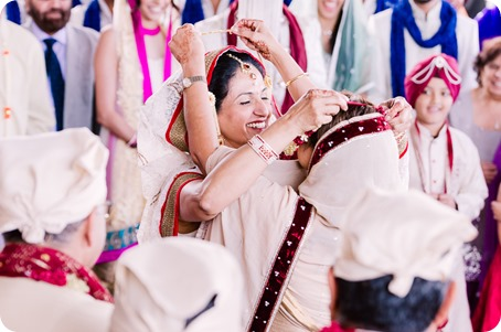 Sikh-Indian-wedding_Kelowna-Temple_Sparkling-Hill_115_by-Kevin-Trowbridge
