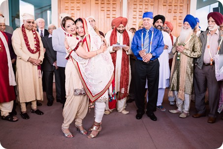 Sikh-Indian-wedding_Kelowna-Temple_Sparkling-Hill_116_by-Kevin-Trowbridge