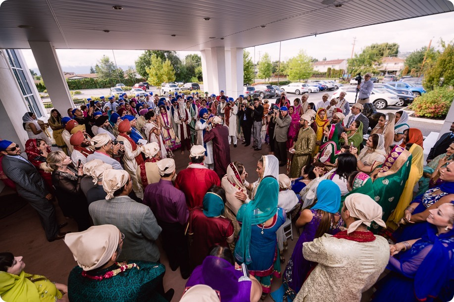 Sikh-Indian-wedding_Kelowna-Temple_Sparkling-Hill_117_by-Kevin-Trowbridge