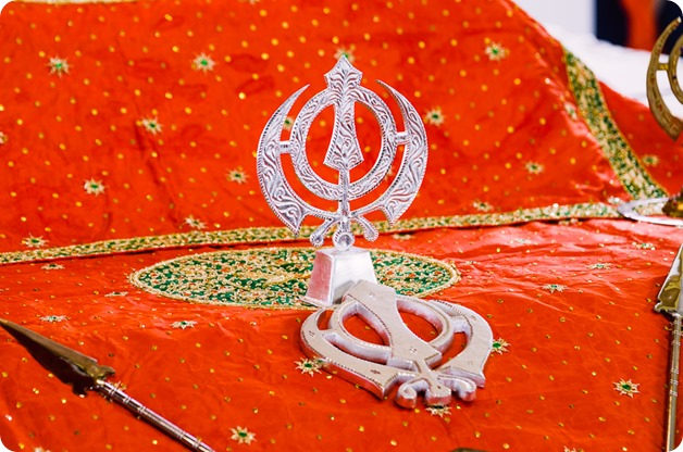 Sikh-Indian-wedding_Kelowna-Temple_Sparkling-Hill_121_by-Kevin-Trowbridge