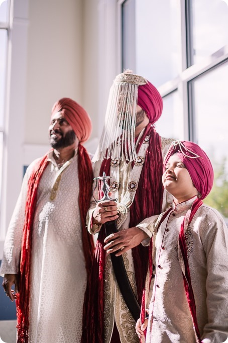 Sikh-Indian-wedding_Kelowna-Temple_Sparkling-Hill_125_by-Kevin-Trowbridge
