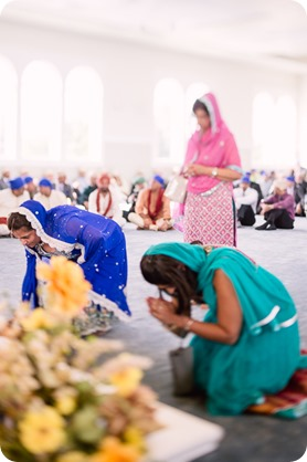 Sikh-Indian-wedding_Kelowna-Temple_Sparkling-Hill_128_by-Kevin-Trowbridge