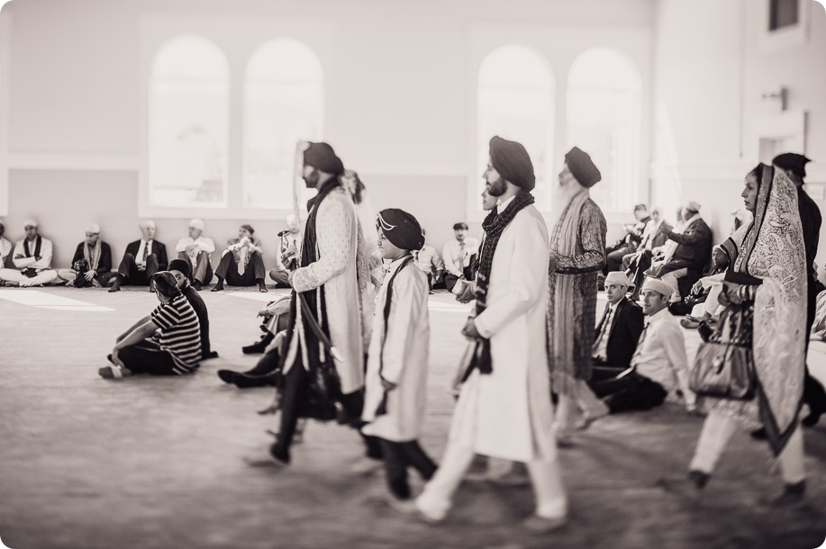 Sikh-Indian-wedding_Kelowna-Temple_Sparkling-Hill_129_by-Kevin-Trowbridge