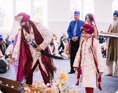 Sikh-Indian-wedding_Kelowna-Temple_Sparkling-Hill_130_by-Kevin-Trowbridge