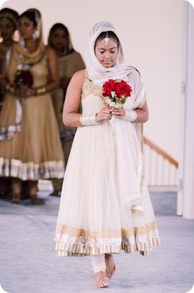 Sikh-Indian-wedding_Kelowna-Temple_Sparkling-Hill_135_by-Kevin-Trowbridge