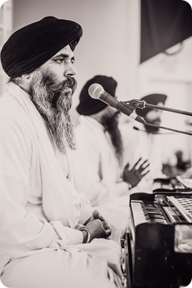 Sikh-Indian-wedding_Kelowna-Temple_Sparkling-Hill_142_by-Kevin-Trowbridge