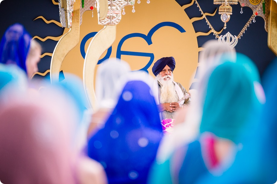 Sikh-Indian-wedding_Kelowna-Temple_Sparkling-Hill_175_by-Kevin-Trowbridge