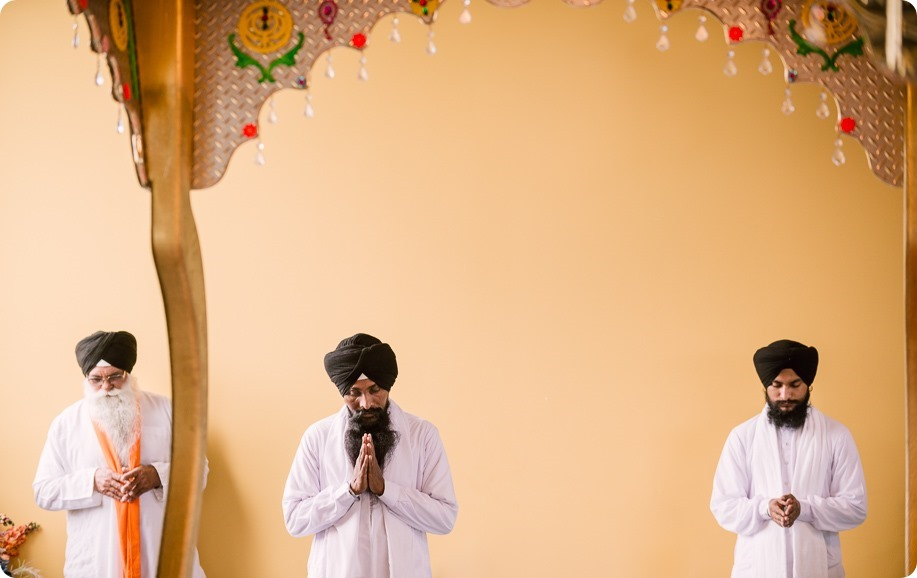 Sikh-Indian-wedding_Kelowna-Temple_Sparkling-Hill_181_by-Kevin-Trowbridge