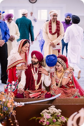 Sikh-Indian-wedding_Kelowna-Temple_Sparkling-Hill_194_by-Kevin-Trowbridge