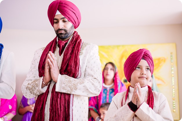 Sikh-Indian-wedding_Kelowna-Temple_Sparkling-Hill_71_by-Kevin-Trowbridge