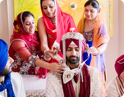 Sikh-Indian-wedding_Kelowna-Temple_Sparkling-Hill_75_by-Kevin-Trowbridge