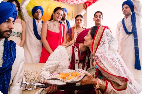Sikh-Indian-wedding_Kelowna-Temple_Sparkling-Hill_78_by-Kevin-Trowbridge