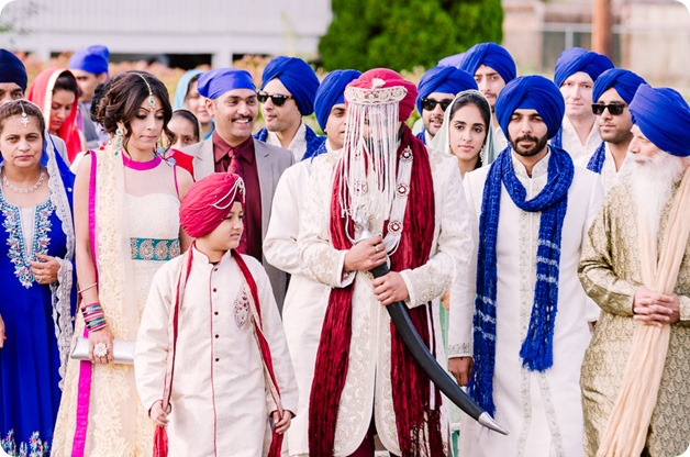 Sikh-Indian-wedding_Kelowna-Temple_Sparkling-Hill_99_by-Kevin-Trowbridge