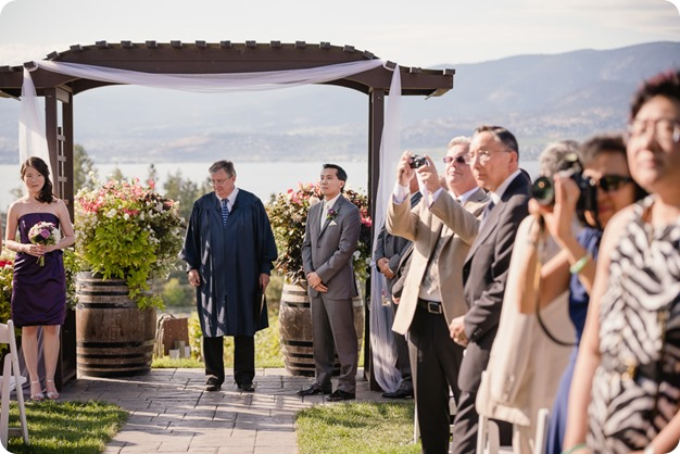 Traditional-Chinese-Tea-Ceremony-Summerhill-wedding-Kelowna-photographer_103_by-Kevin-Trowbridge