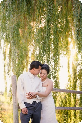 Traditional-Chinese-Tea-Ceremony-Summerhill-wedding-Kelowna-photographer_146_by-Kevin-Trowbridge