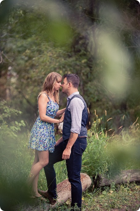 Zombie-engagement-session_walking-dead-attack_father-pandosy_Kelowna-photographer_46_by-Kevin-Trowbridge