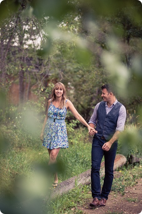 Zombie-engagement-session_walking-dead-attack_father-pandosy_Kelowna-photographer_48_by-Kevin-Trowbridge