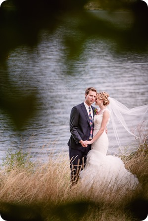 Kaleden-wedding_Linden-Gardens_vineyards-Okanagan-photographer_142229_by-Kevin-Trowbridge