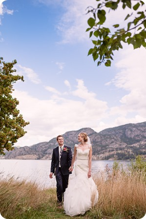 Kaleden-wedding_Linden-Gardens_vineyards-Okanagan-photographer_142538_by-Kevin-Trowbridge