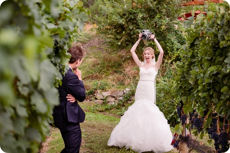 Kaleden-wedding_Linden-Gardens_vineyards-Okanagan-photographer_150005_by-Kevin-Trowbridge