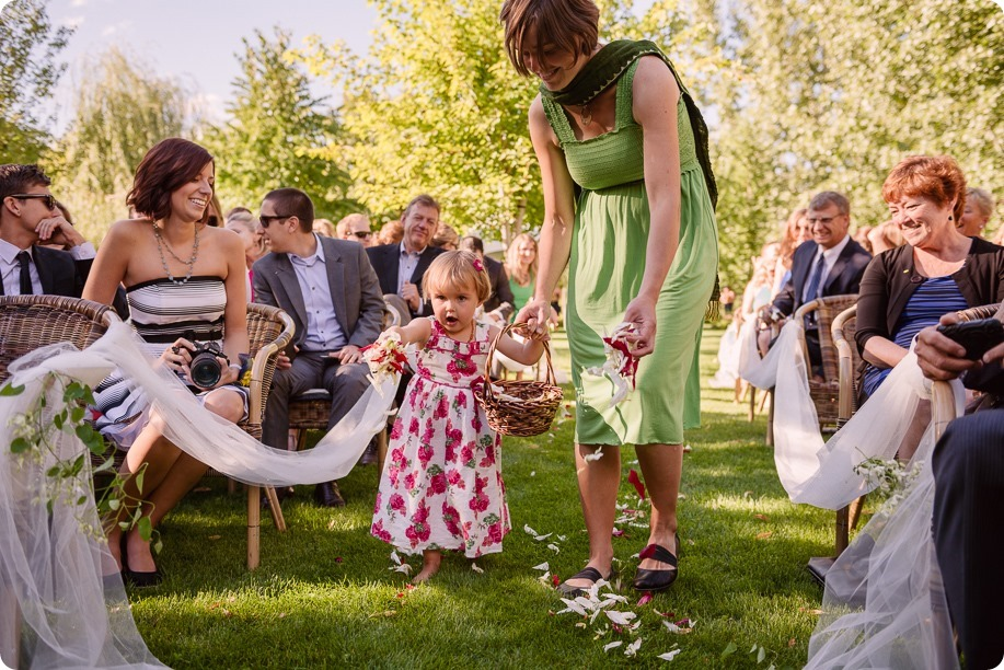 Kaleden-wedding_Linden-Gardens_vineyards-Okanagan-photographer_160427_by-Kevin-Trowbridge