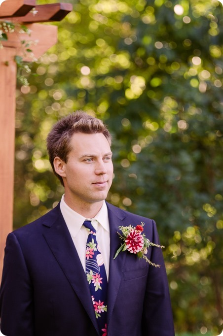 Kaleden-wedding_Linden-Gardens_vineyards-Okanagan-photographer_160606_by-Kevin-Trowbridge