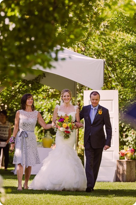 Kaleden-wedding_Linden-Gardens_vineyards-Okanagan-photographer_160615_by-Kevin-Trowbridge-2