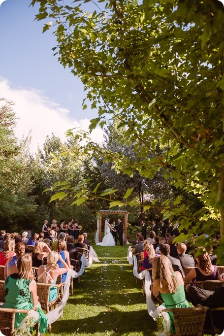 Kaleden-wedding_Linden-Gardens_vineyards-Okanagan-photographer_160920_by-Kevin-Trowbridge