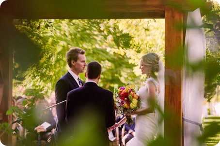 Kaleden-wedding_Linden-Gardens_vineyards-Okanagan-photographer_162015_by-Kevin-Trowbridge