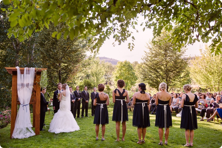 Kaleden-wedding_Linden-Gardens_vineyards-Okanagan-photographer_162035_by-Kevin-Trowbridge