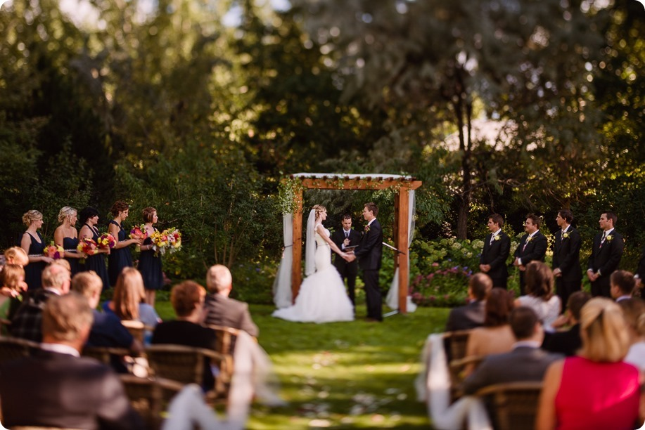 Kaleden-wedding_Linden-Gardens_vineyards-Okanagan-photographer_162733_by-Kevin-Trowbridge