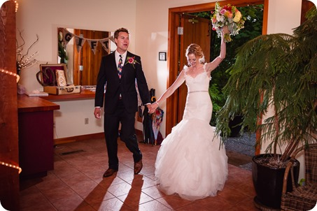 Kaleden-wedding_Linden-Gardens_vineyards-Okanagan-photographer_182751_by-Kevin-Trowbridge