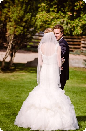 Kaleden-wedding_Linden-Gardens_vineyards-Okanagan-photographer__131233_by-Kevin-Trowbridge