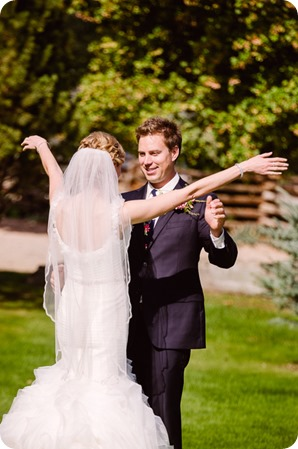 Kaleden-wedding_Linden-Gardens_vineyards-Okanagan-photographer__131236_by-Kevin-Trowbridge