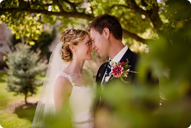 Kaleden-wedding_Linden-Gardens_vineyards-Okanagan-photographer__131918_by-Kevin-Trowbridge
