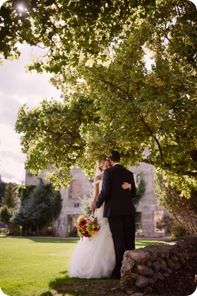 Kaleden-wedding_Linden-Gardens_vineyards-Okanagan-photographer__132045_by-Kevin-Trowbridge