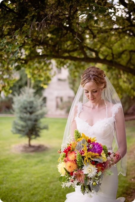 Kaleden-wedding_Linden-Gardens_vineyards-Okanagan-photographer__132133_by-Kevin-Trowbridge