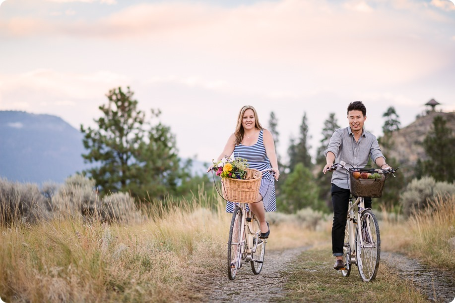 Kelowna-engagement-session_coffee-Knox-Mountain-cruiser-bikes_Okanagan-photographer_130_by-Kevin-Trowbridge