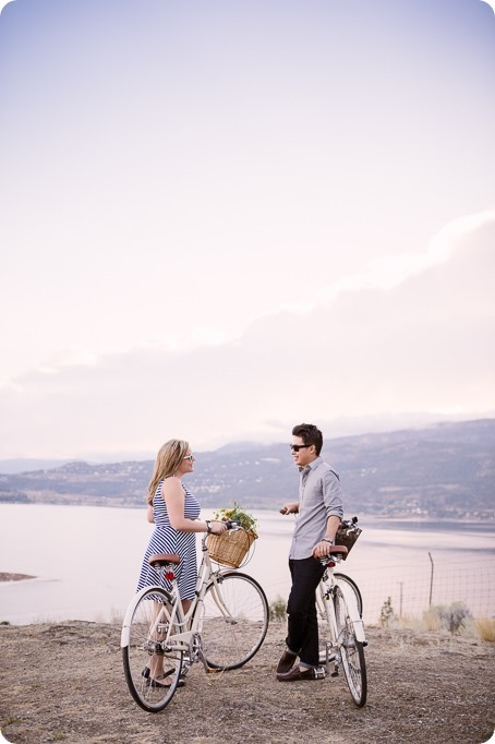 Kelowna-engagement-session_coffee-Knox-Mountain-cruiser-bikes_Okanagan-photographer_65_by-Kevin-Trowbridge