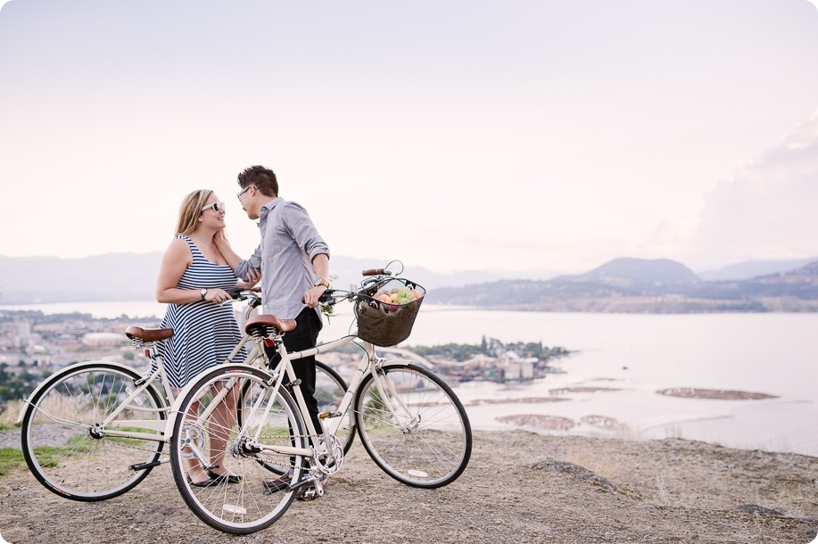 Kelowna-engagement-session_coffee-Knox-Mountain-cruiser-bikes_Okanagan-photographer_67_by-Kevin-Trowbridge