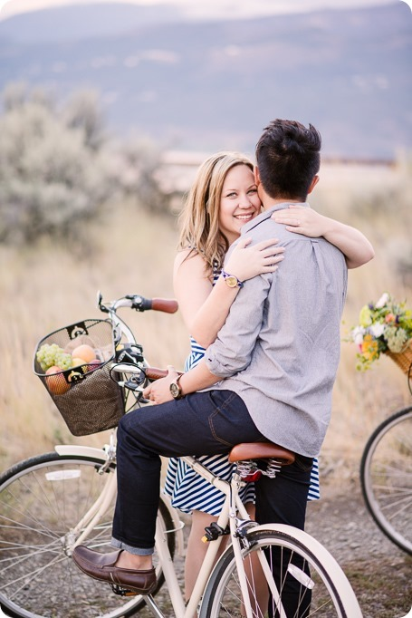 Kelowna-engagement-session_coffee-Knox-Mountain-cruiser-bikes_Okanagan-photographer_85_by-Kevin-Trowbridge