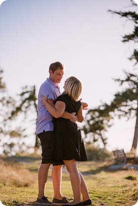 Kelowna-engagement-session_lake-dog-portraits_Okanagan-photographer_42_by-Kevin-Trowbridge