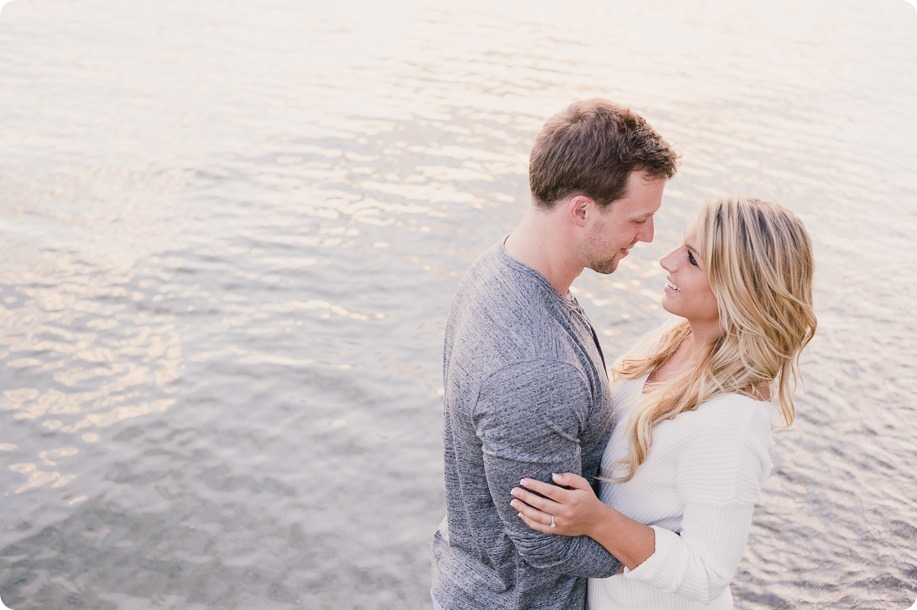 Kelowna-wedding-photographer_Okanagan engagement session_Kal beach_44424_by-Kevin-Trowbridge
