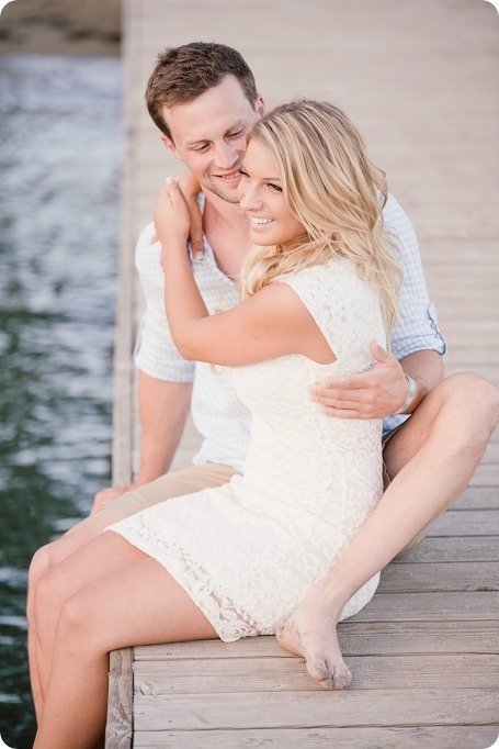 Kelowna-wedding-photographer_Okanagan engagement session_Kal beach_88635_by-Kevin-Trowbridge