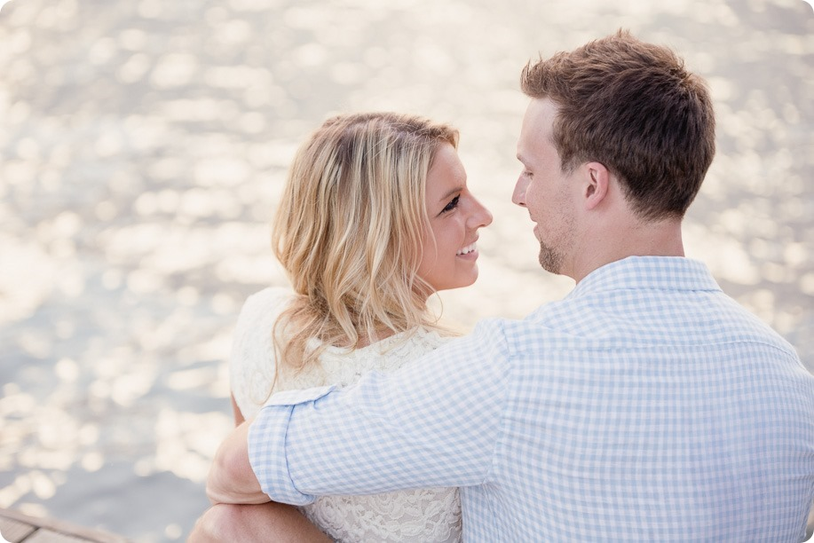 Kelowna-wedding-photographer_Okanagan engagement session_Kal beach_88650_by-Kevin-Trowbridge