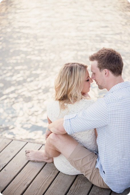 Kelowna-wedding-photographer_Okanagan engagement session_Kal beach_88655_by-Kevin-Trowbridge
