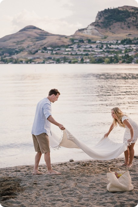 Kelowna-wedding-photographer_Okanagan engagement session_Kal beach_88726_by-Kevin-Trowbridge