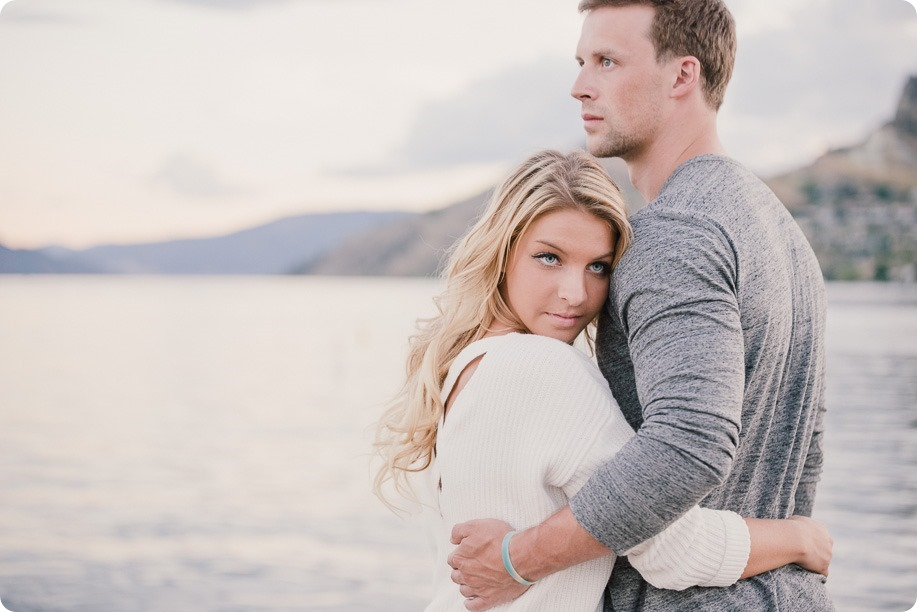 Kelowna-wedding-photographer_Okanagan engagement session_Kal beach_89393_by-Kevin-Trowbridge